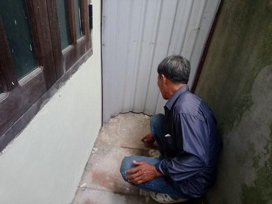 Phát hiện một bé gái bị bỏ rơi ở góc chùa