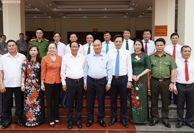 [ẢNH] Thủ tướng Nguyễn Xuân Phúc tiếp xúc cử tri Hải Phòng - 4