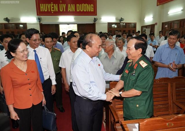 [ẢNH] Thủ tướng Nguyễn Xuân Phúc tiếp xúc cử tri Hải Phòng - 3