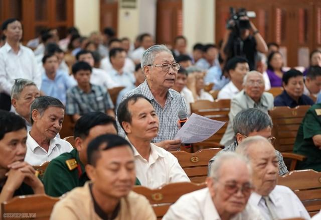 [ẢNH] Thủ tướng Nguyễn Xuân Phúc tiếp xúc cử tri Hải Phòng - 6