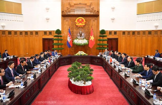 Hai Thủ tướng Việt Nam, Campuchia hội đàm - 1
