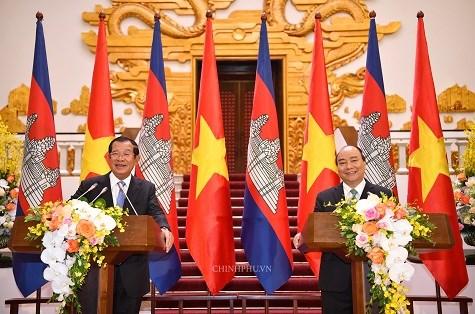 Thủ tướng Việt Nam, Campuchia họp báo chung: Bác bỏ thông tin xuyên tạc, phá hoại