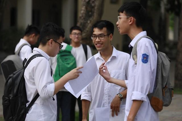 Điểm chuẩn vào đại học dự báo tăng - 1