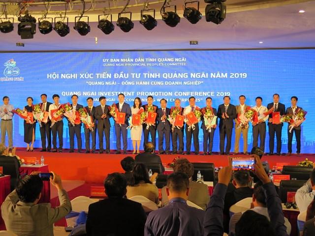 Thủ tướng chứng kiến dòng vốn đầu tư mới vào Quảng Ngãi - 3