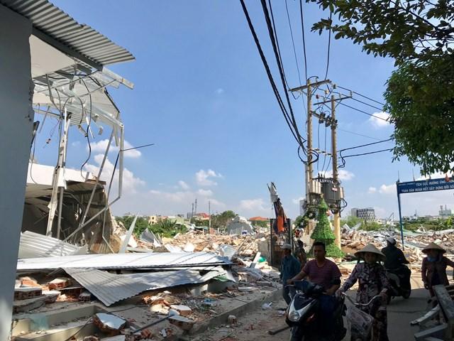 TP Hồ Chí Minh: Cưỡng chế 112 căn nhà xây trái phép tại vườn rau Lộc Hưng