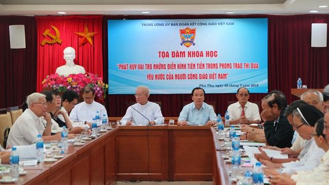 Phát huy vai trò những điển hình tiên tiến trong phong trào thi đua yêu nước của người Công giáo Việt Nam - 1