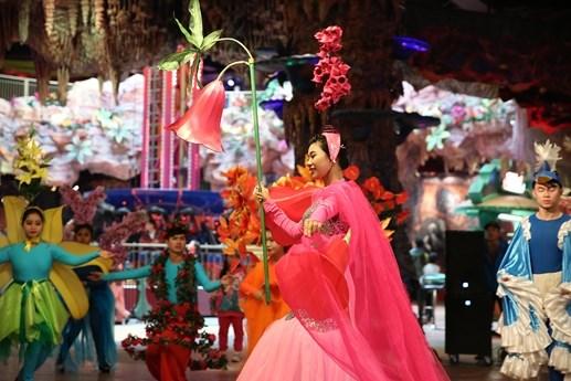 Rộn rã lễ hội hoa xuân Bà Nà Hills - 1