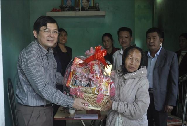 Quà Tết của Mặt trận tặng người nghèo ở Quảng Bình - 1
