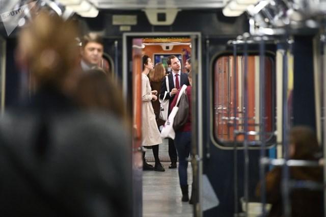 [ẢNH] Kỷ niệm 84 năm 'Moscow Metro': Chuyến tàu vượt 'thời gian' đẹp nhất thế giới - 12