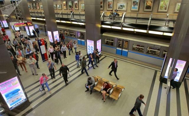 [ẢNH] Kỷ niệm 84 năm 'Moscow Metro': Chuyến tàu vượt 'thời gian' đẹp nhất thế giới - 9