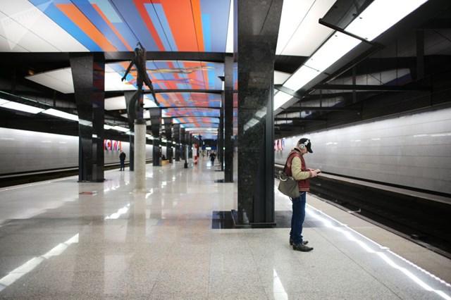 [ẢNH] Kỷ niệm 84 năm 'Moscow Metro': Chuyến tàu vượt 'thời gian' đẹp nhất thế giới - 16