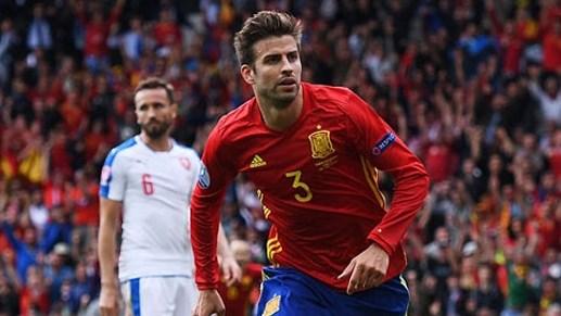 Tây Ban Nha 1-0 Ch Czech: Pique giúp bò tót thắng chật vật