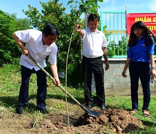 Thành phố Hồ Chí Minh: Xây dựng chuẩn mực văn hóa ứng xử, làm việc