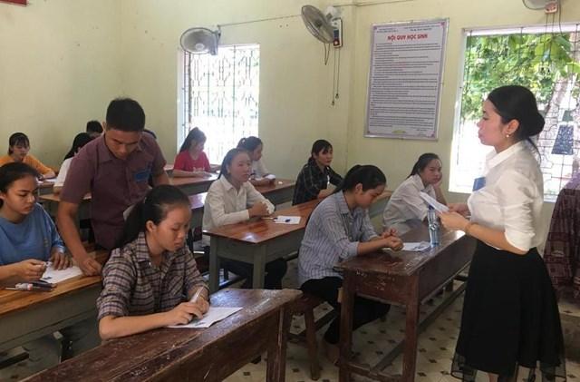 Nghệ An: Hơn 153 thi sinh vắng mặt trong ngày thi đầu tiên