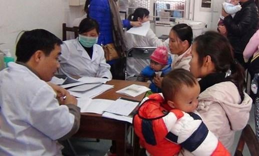 Thời tiết chuyển mùa, nhiều trẻ nhập viện