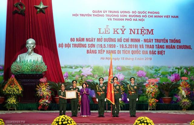 Thủ tướng trao phần thưởng cao quý cho Binh đoàn 12 - 3
