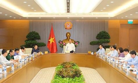 Thường trực Chính phủ họp về công tác tổ chức Hội nghị WEF ASEAN - 1