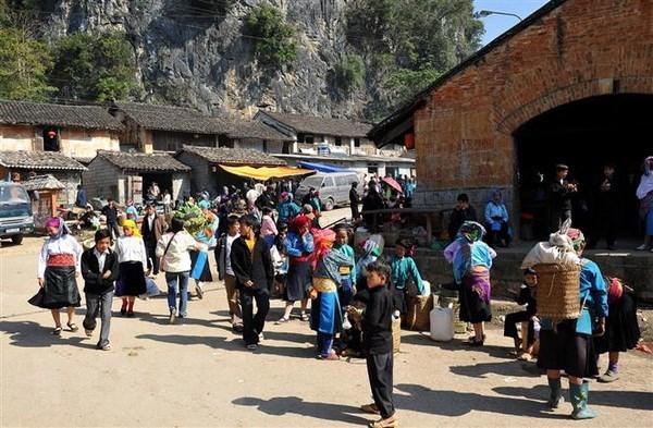 Hàng nghìn du khách đến Cao nguyên đá Đồng Văn dịp Tết Nguyên đán