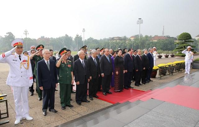 Lãnh đạo Đảng, Nhà nước, MTTQ tưởng niệm các Anh hùng, Liệt sỹ - 3