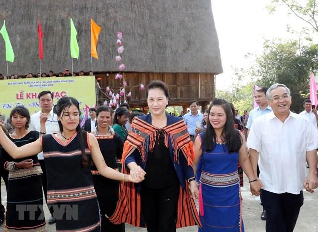 Chủ tịch Quốc hội Nguyễn Thị Kim Ngân làm việc tại tỉnh Kon Tum - 2
