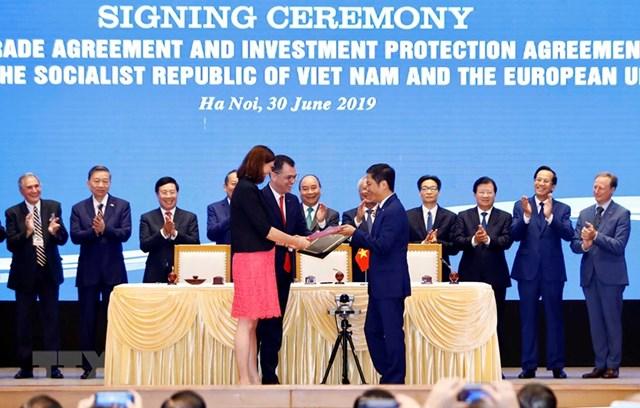 Hình ảnh Lễ ký EVFTA và EVIPA giữa Việt Nam và Liên minh châu Âu - 1