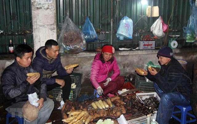 [ẢNH] Cuộc sống của người dân Hà Nội trong đợt rét đậm cuối năm - 5