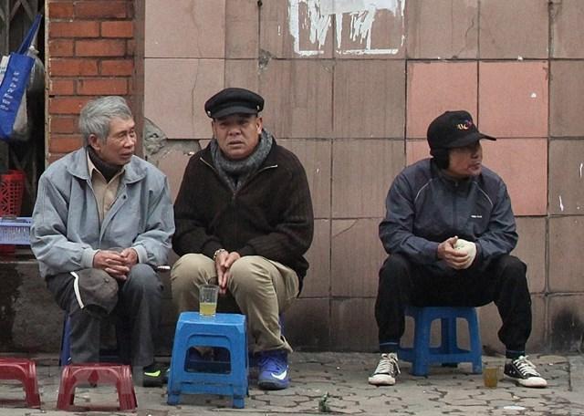 [ẢNH] Cuộc sống của người dân Hà Nội trong đợt rét đậm cuối năm - 6