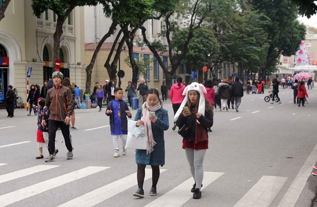 [ẢNH] Cuộc sống của người dân Hà Nội trong đợt rét đậm cuối năm - 9