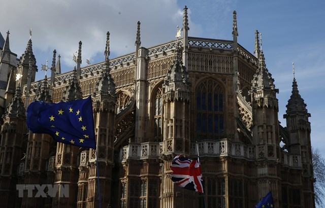 Hơn một triệu người Anh ký kiến nghị yêu cầu bãi bỏ Brexit