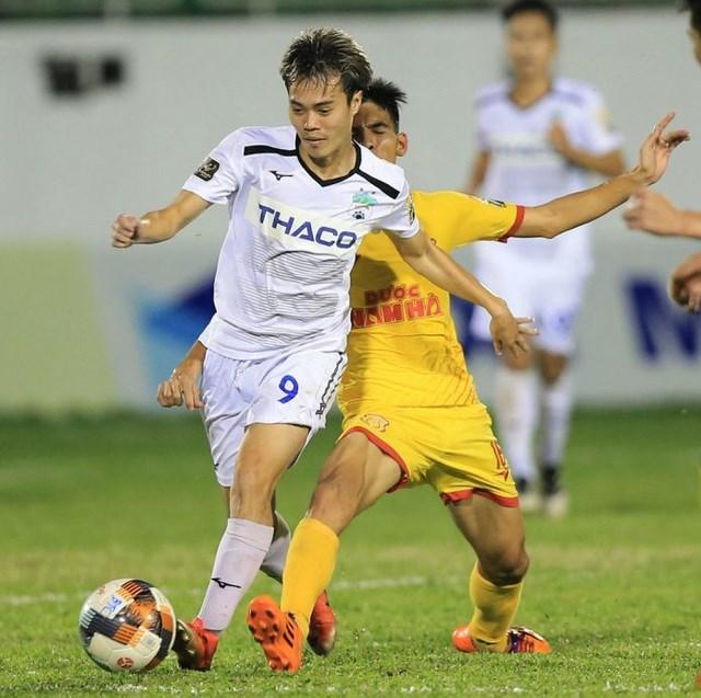HLV Park Hang Seo chọn hàng tiền đạo nào cho đội tuyển Việt Nam? - 1