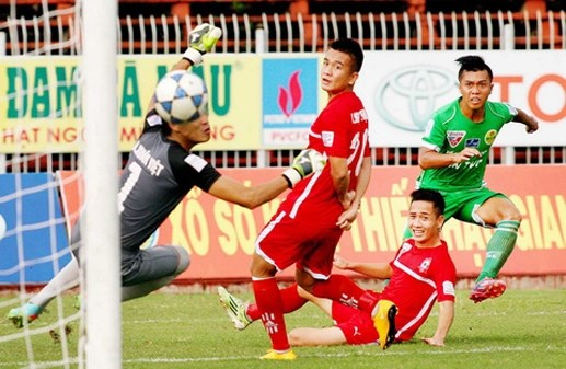Vòng 23 V-League: Trong tâm 'bão'