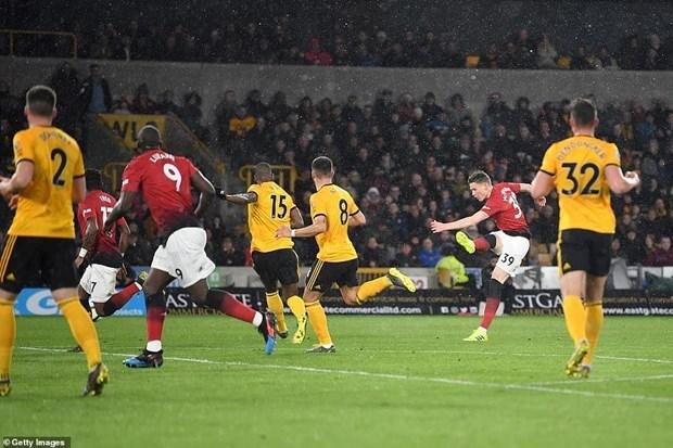 Manchester United lại phải 'nếm trái đắng' trước Wolverhampton - 2