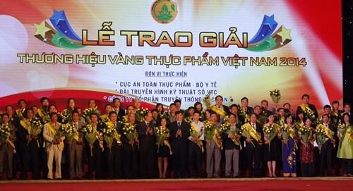 Vinamilk được vinh danh thương hiệu vàng thực phẩm Việt Nam năm 2014