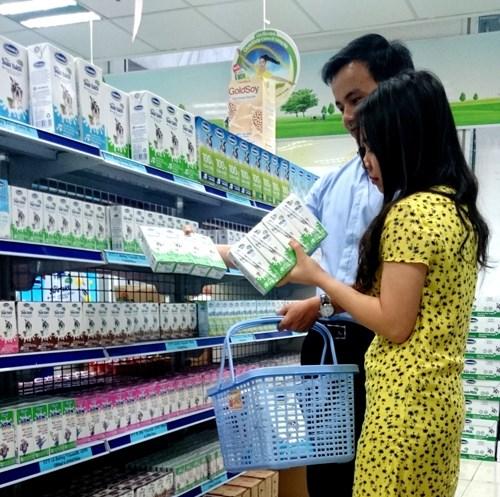 Vinamilk được vinh danh thương hiệu vàng thực phẩm Việt Nam năm 2014 - 1