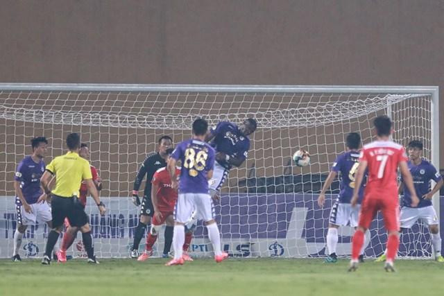 [ẢNH] Mãn nhãn với trận cầu tâm điểm Hà Nội FC – Hoàng Anh Gia Lai - 11