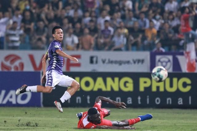[ẢNH] Mãn nhãn với trận cầu tâm điểm Hà Nội FC – Hoàng Anh Gia Lai - 9