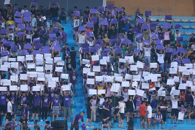 [ẢNH] Mãn nhãn với trận cầu tâm điểm Hà Nội FC – Hoàng Anh Gia Lai - 13