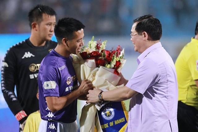 [ẢNH] Mãn nhãn với trận cầu tâm điểm Hà Nội FC – Hoàng Anh Gia Lai - 4