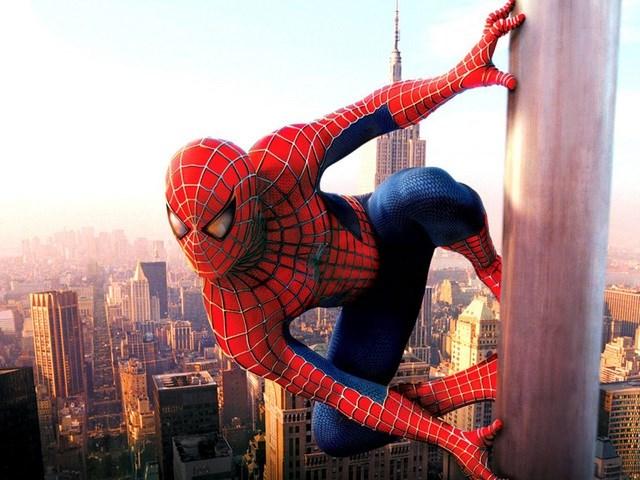 Ba anh em để nhện độc cắn vì muốn trở thành... Người Nhện - 1