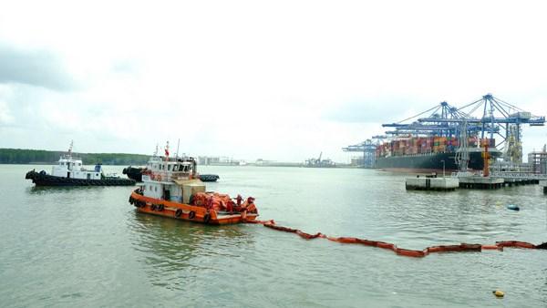 KVT diễn tập tình huống an ninh cảng biển và ứng phó sự cố tràn dầu 2020 - 1