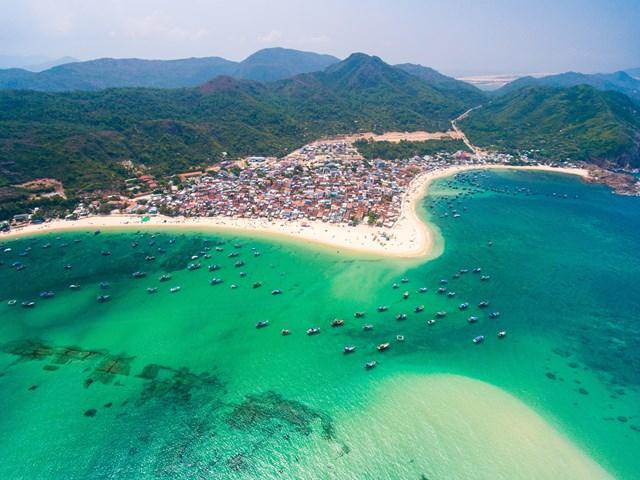 Tìm kiếm tăng gần 170% so với cùng kỳ, Quy Nhơn tiếp tục lọt Top những điểm đến thu hút hàng đầu Việt Nam
