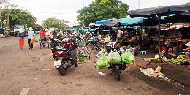 Đường thành chợ giữa thành phố Tam Kỳ