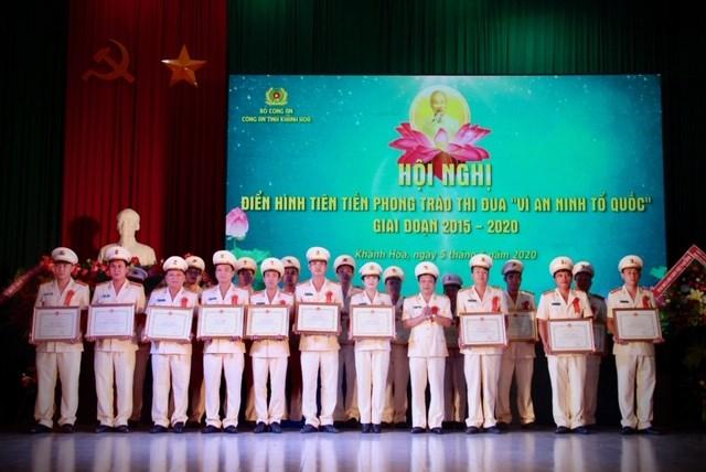 Khánh Hòa: Tổng kết 5 năm thực hiện phong trào thi đua 'Vì an ninh Tổ quốc'