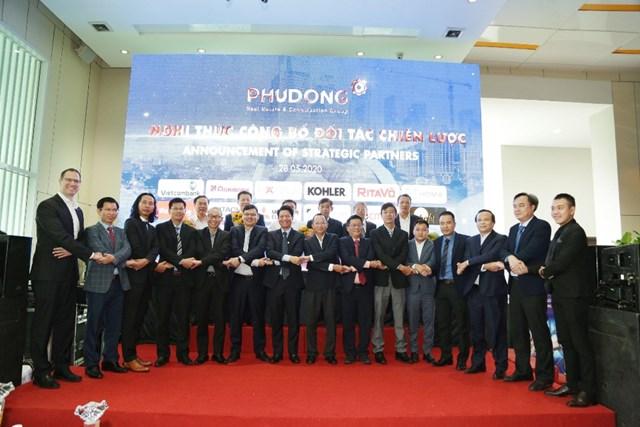 Phú Đông Group ký kết hợp tác chiến lược với 15 doanh nghiệp đối tác