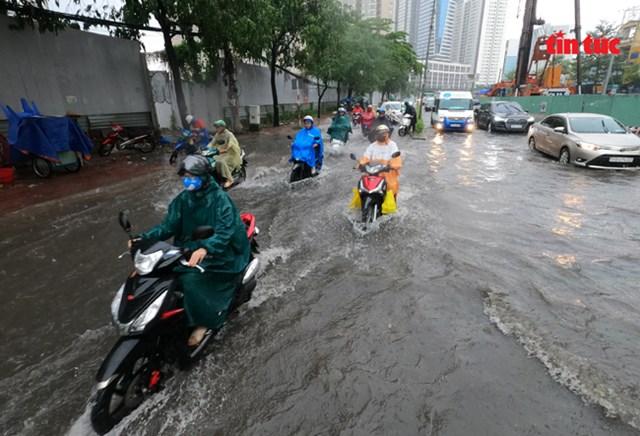 TP Hồ Chí Minh: Mưa không lớn nhưng đã ngập