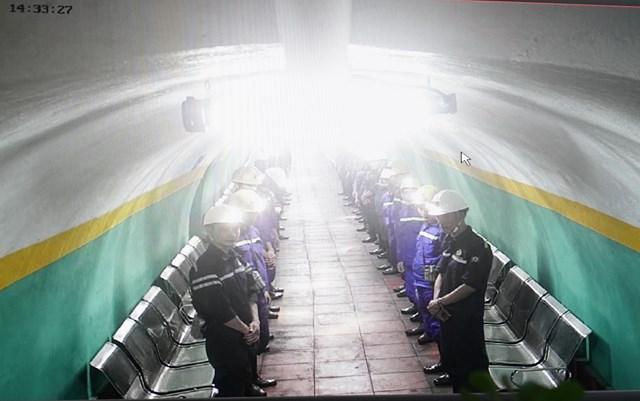 [ẢNH] Thủ tướng thăm công nhân mỏ Hà Lầm, Quảng Ninh - 3