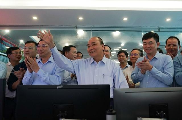 [ẢNH] Thủ tướng thăm công nhân mỏ Hà Lầm, Quảng Ninh - 4