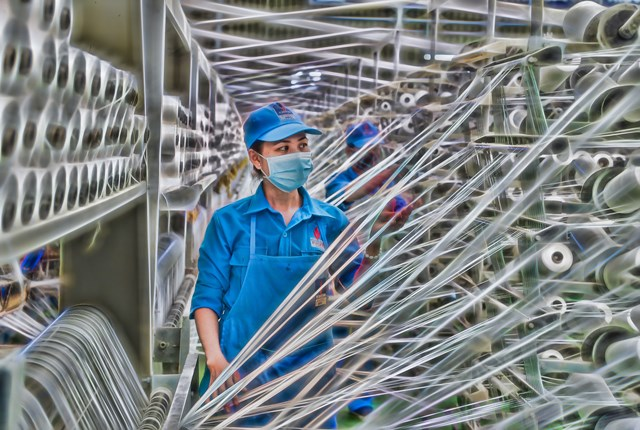 VNPOLY xuất bán 5 tấn sợi DTY để sản xuất khẩu trang y tế phòng chống dịch