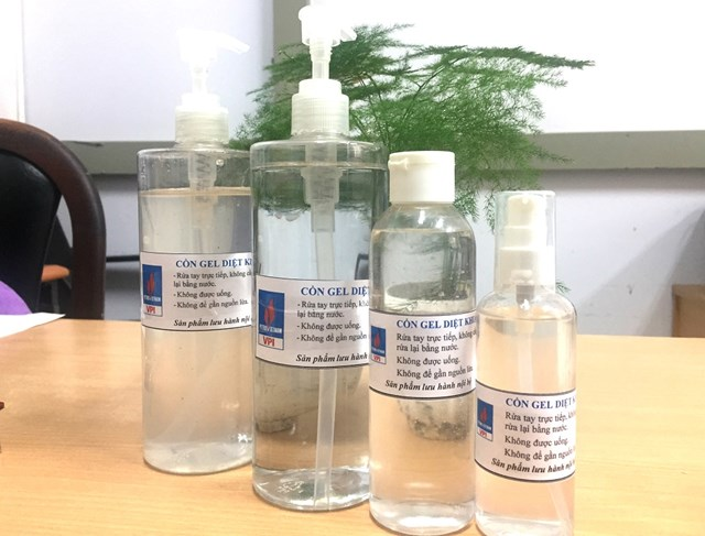 VPI sản xuất nước rửa tay khô sát khuẩn phòng dịch do virus Corona mới - 1