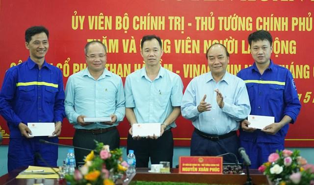 [ẢNH] Thủ tướng thăm công nhân mỏ Hà Lầm, Quảng Ninh - 10